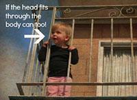 Ребенок на балконе_