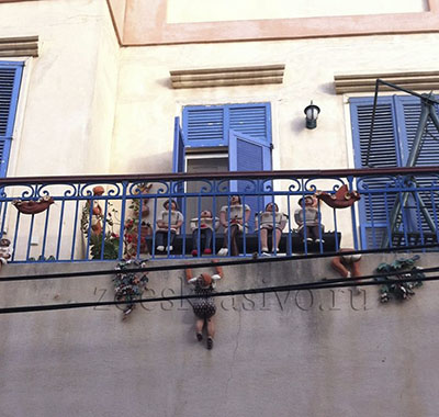 еобычный балкон в ТельАвиве