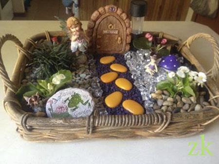 Миниатюрный садик для феи с дверью