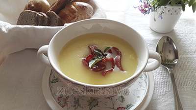 kartofilny-sup-pyure