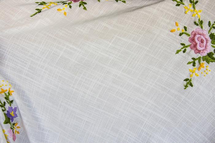 Чистая скатерть — как отстирать кухонные полотенчики и скатерти