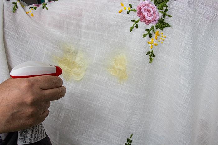 Как отстирать кухонные полотенчики — побрызгать шуманитом