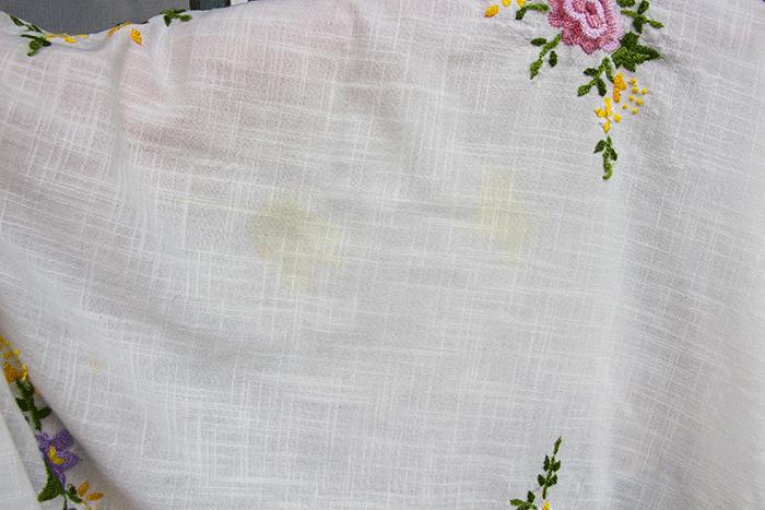 Как отстирать кухонные полотенчики и скатерти