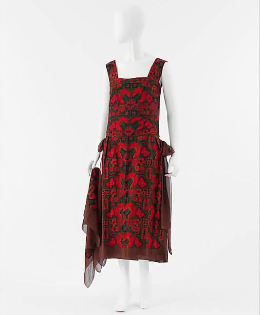 Тамбурная вышивка на платье от Коко Шанель, 1922 год