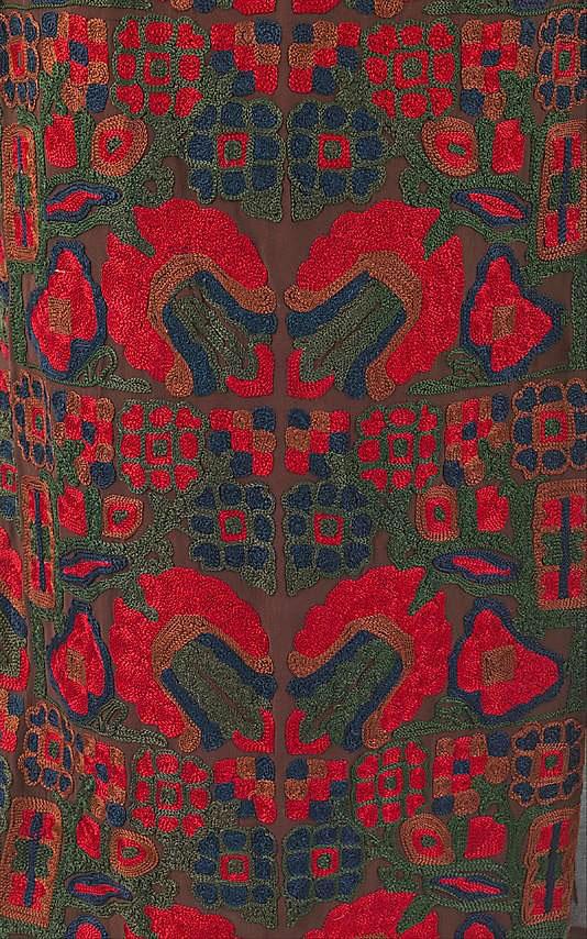 Тамбурная вышивка на платье от Коко Шанель, фрагмент
