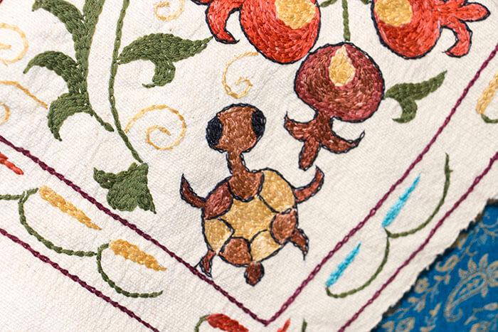 Тамбурная таджикская вышивка фрагмент