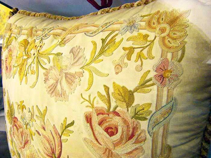 Тамбурный шов на подушке, XVIII век, Франция