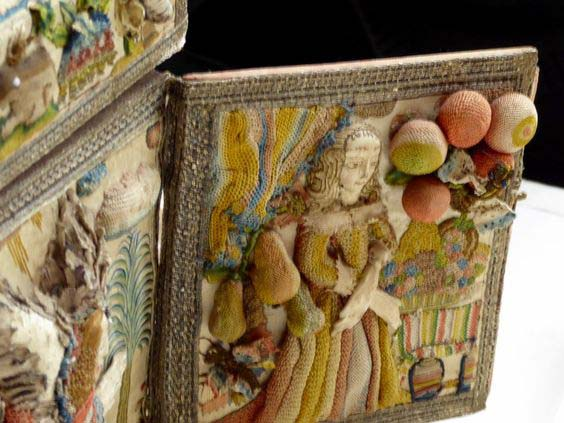 Деталь вышитой шкатулки из коллекции Баррелла