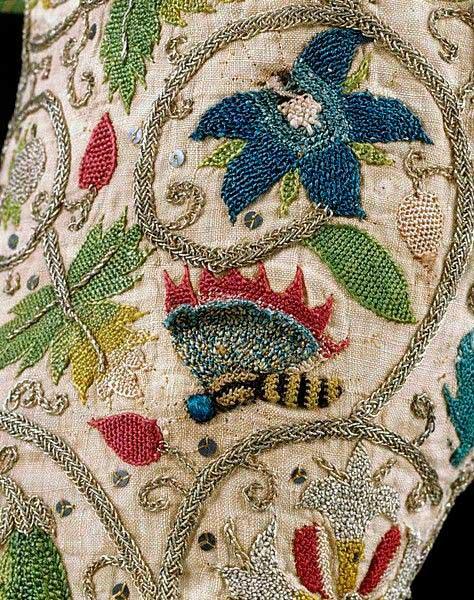 Елизаветинская вышивка образец — насекомые