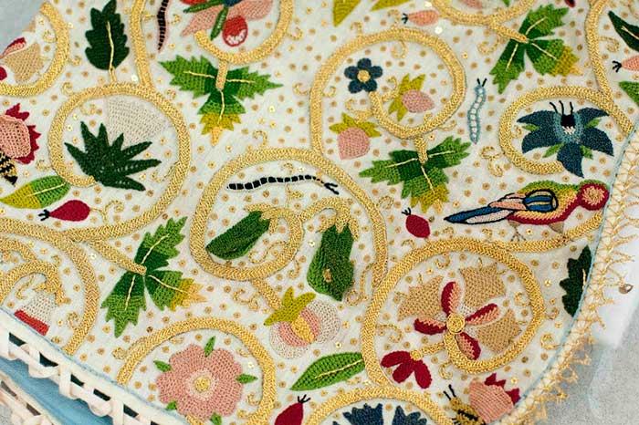 Елизаветинская вышивка образцы — объемный элемент, горошек