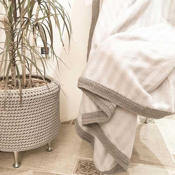 Вязание в интерьере дома — Вязаное кашпо